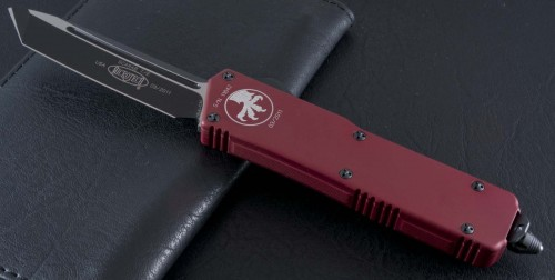(#108-1RD) Microtech Scarab Red/Black Tanto Plain - Front