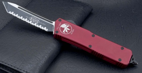 (#108-3RD) Microtech Scarab Exec Tanto Red/Black Full Serrated - Front