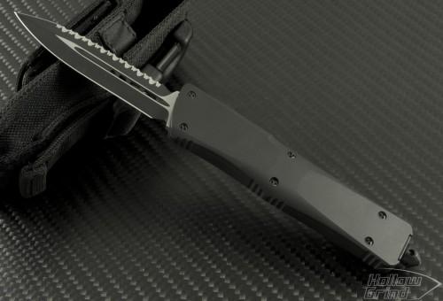 (#VNT-0012) Microtech Troodon D/E Blk Tactical Full Serration - Front