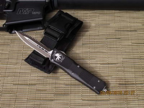Microtech Troodon - D/E - Satin - Full Top Serrations - Front