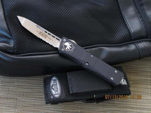 Microtech Troodon - Tanto - Stonewash - Serrated - Front
