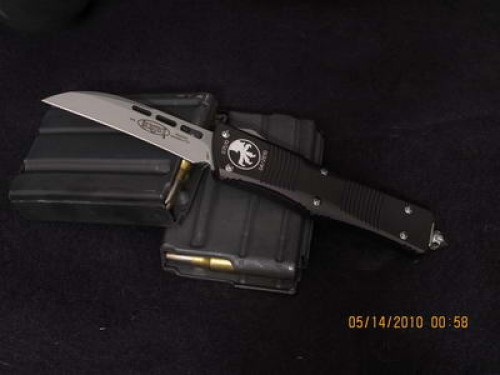 Microtech Troodon - Wharncliffe - Bead Blast - Plain - Front