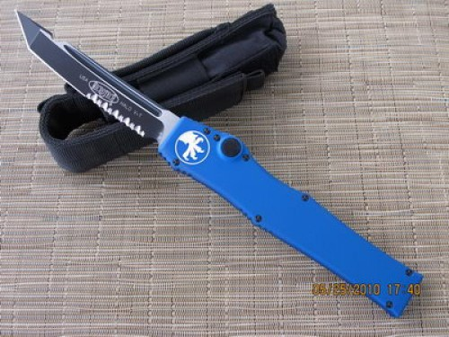 Microtech Halo V - Blue Handle - Tanto - Serrated - Front