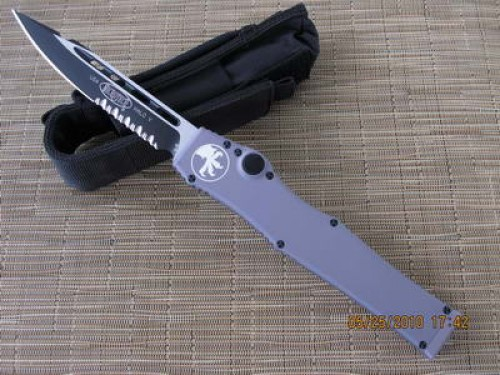 Microtech Knives Gray Halo V S/E Automatic OTF S/A Knife (4.6in Black Part Serr D2) 151-2GR - Front