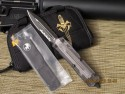 Microtech Scarab - Clear Top - D/E - Serrated - Front